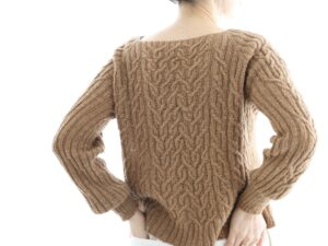 Caroline, a beautiful raglan sweater in Dry Desert Camel sheep by Eri