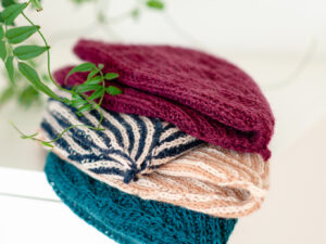 Sensuiji a soft beanie in different yarn qualities by Eri